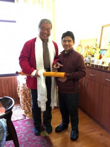 Tsenzhab Serkong Rinpoche mit Qingbo Sui